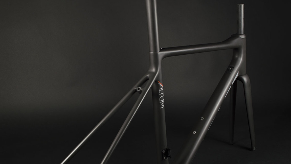 The seatstay, top tube, seatube junction on the Parlee Altuim