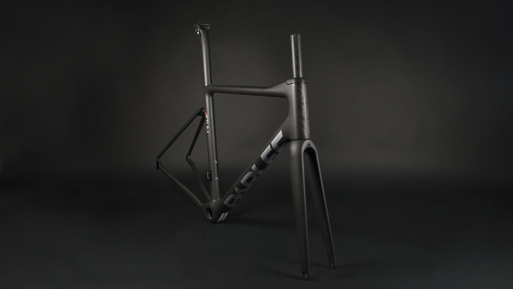 Front View of the Parlee Altum